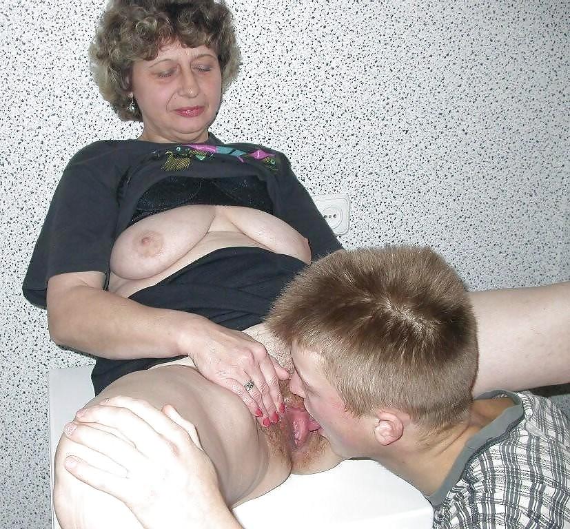 Мать Раздвинула Пизду Сыну Порно