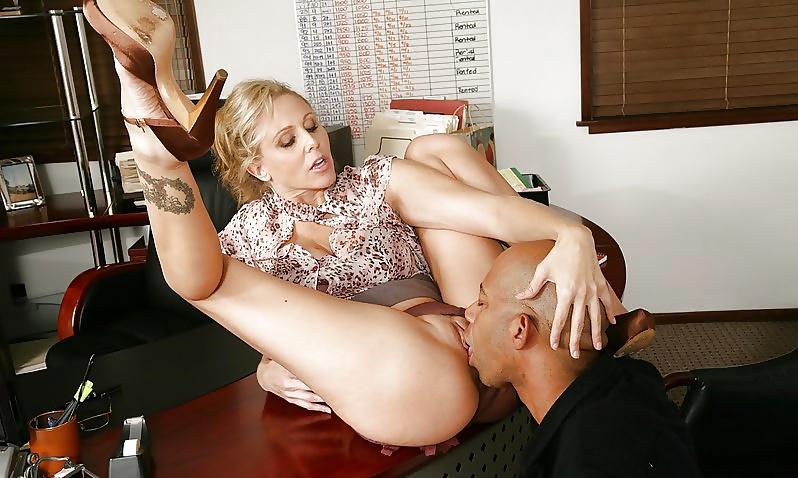 Смотреть Бесплатно Порно Куннилингус Под Столом