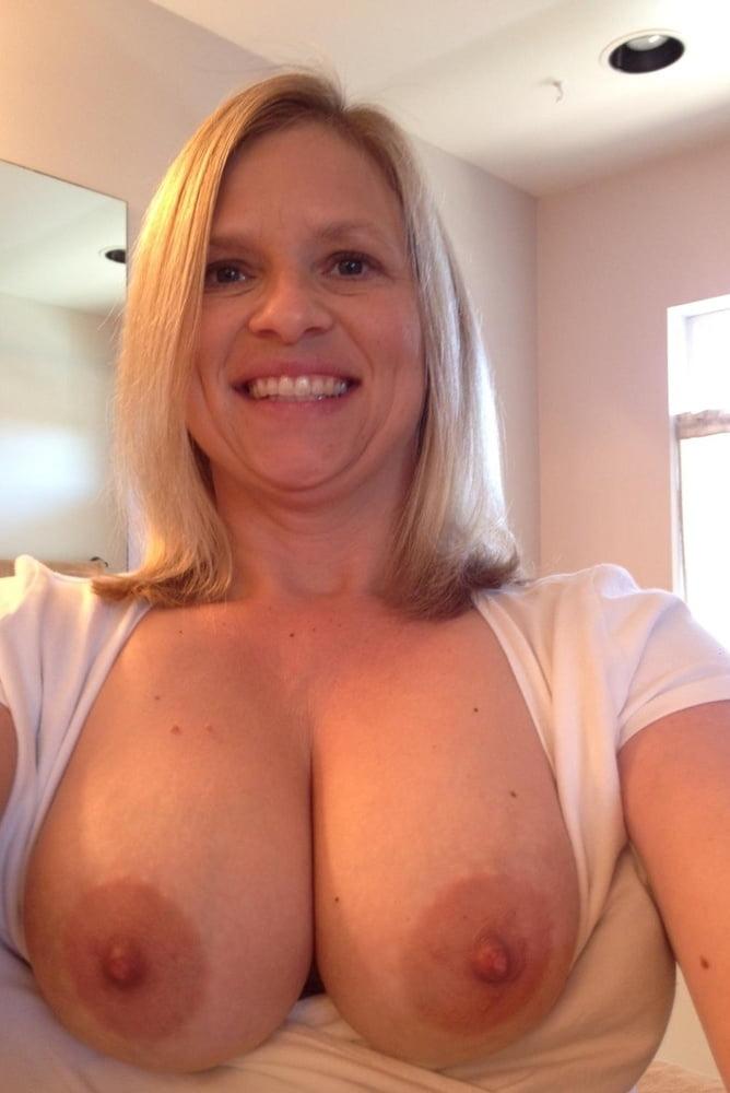 Big tits milf photos