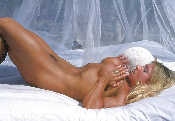 Christina nackt Wolfe Christina Wolfe
