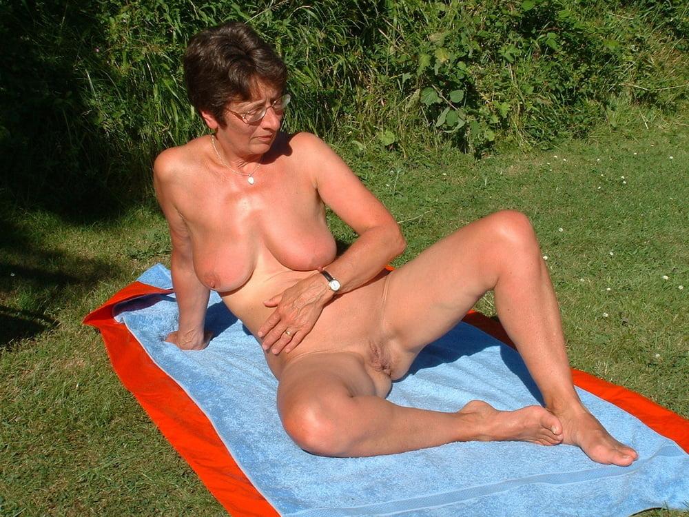 Nude sunbathing grannies, aang and katara sexpics