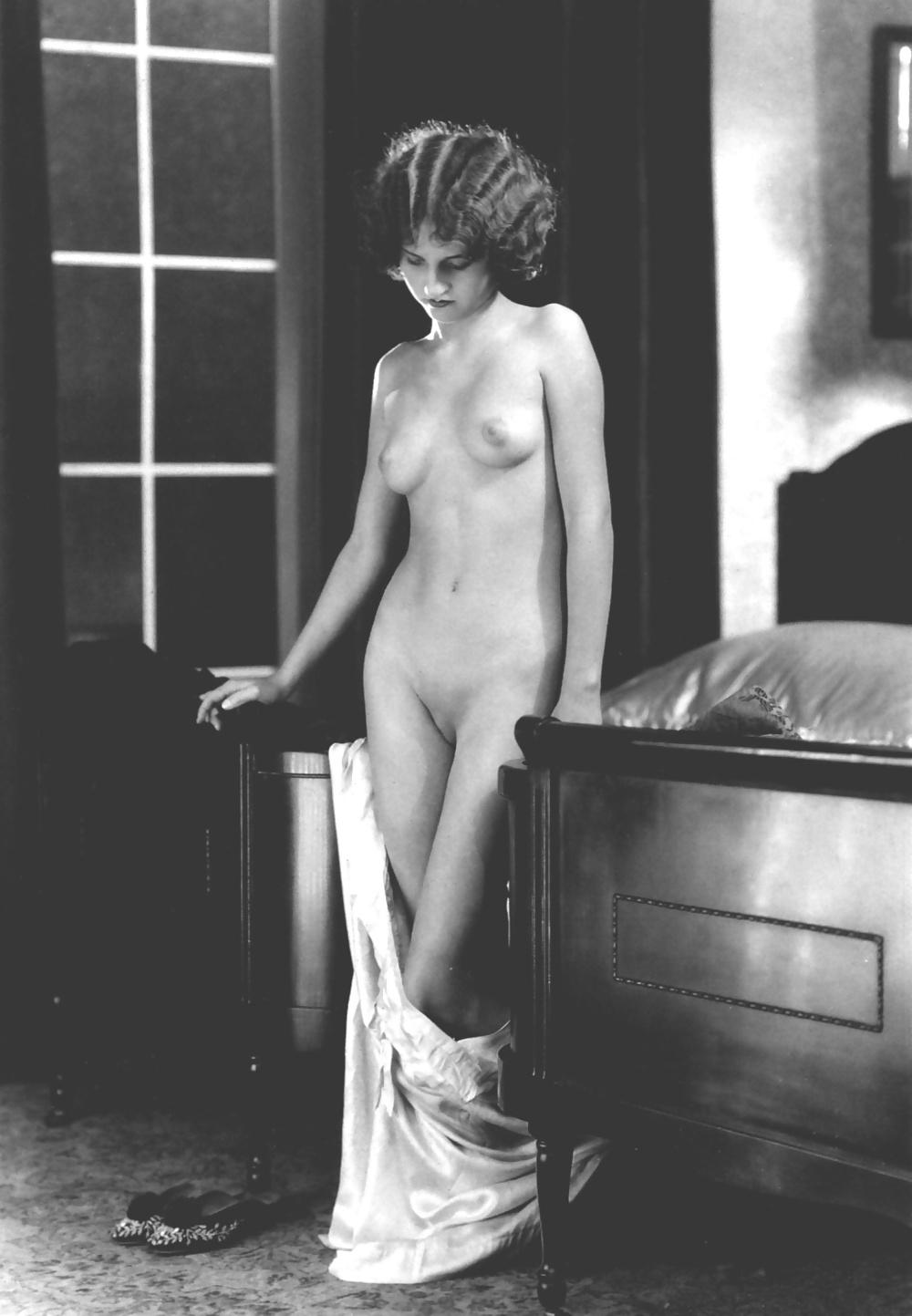 nude-photos-of-lorain-brocca