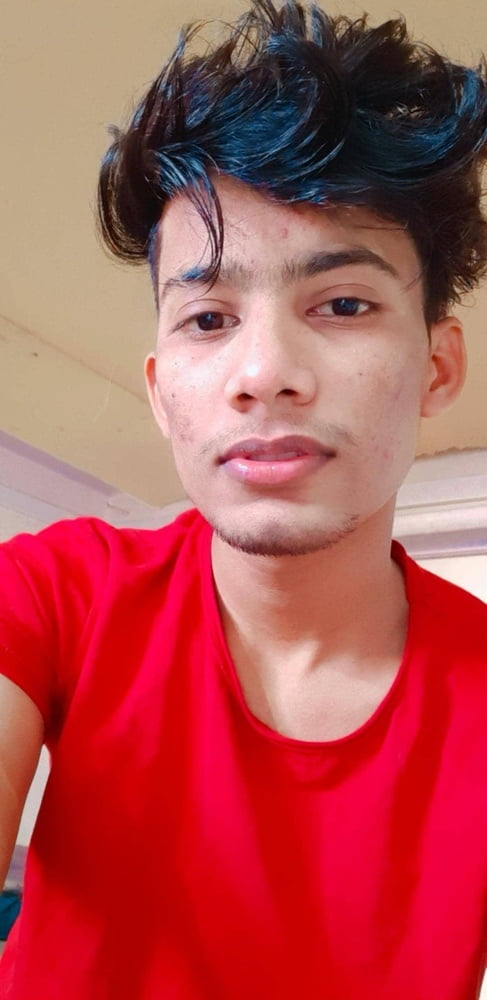 Horny Boii In Red Tshirt - 24 Pics