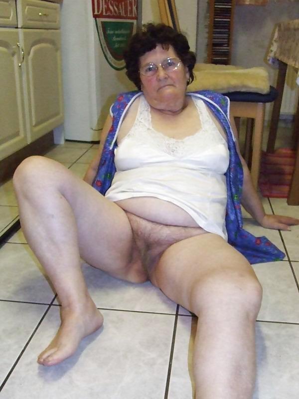 pics-of-sexy-pakistan-grannies-darshi-nude