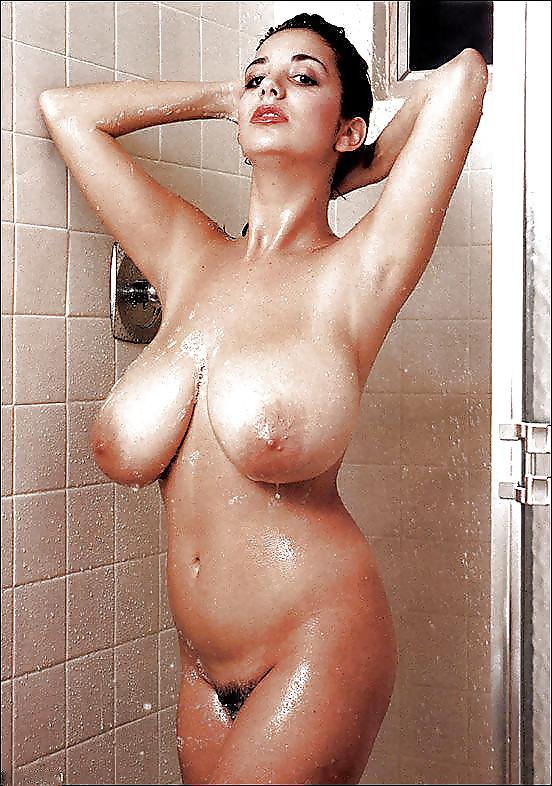 Heiße Brüste
