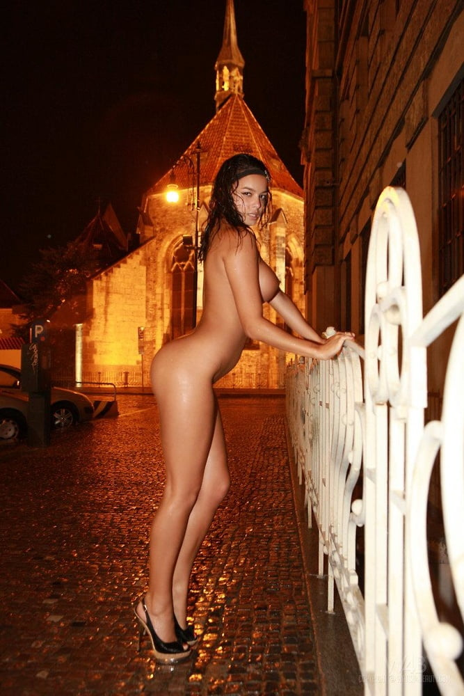 nude-night-bitch-amateur-nude-girls-submitted