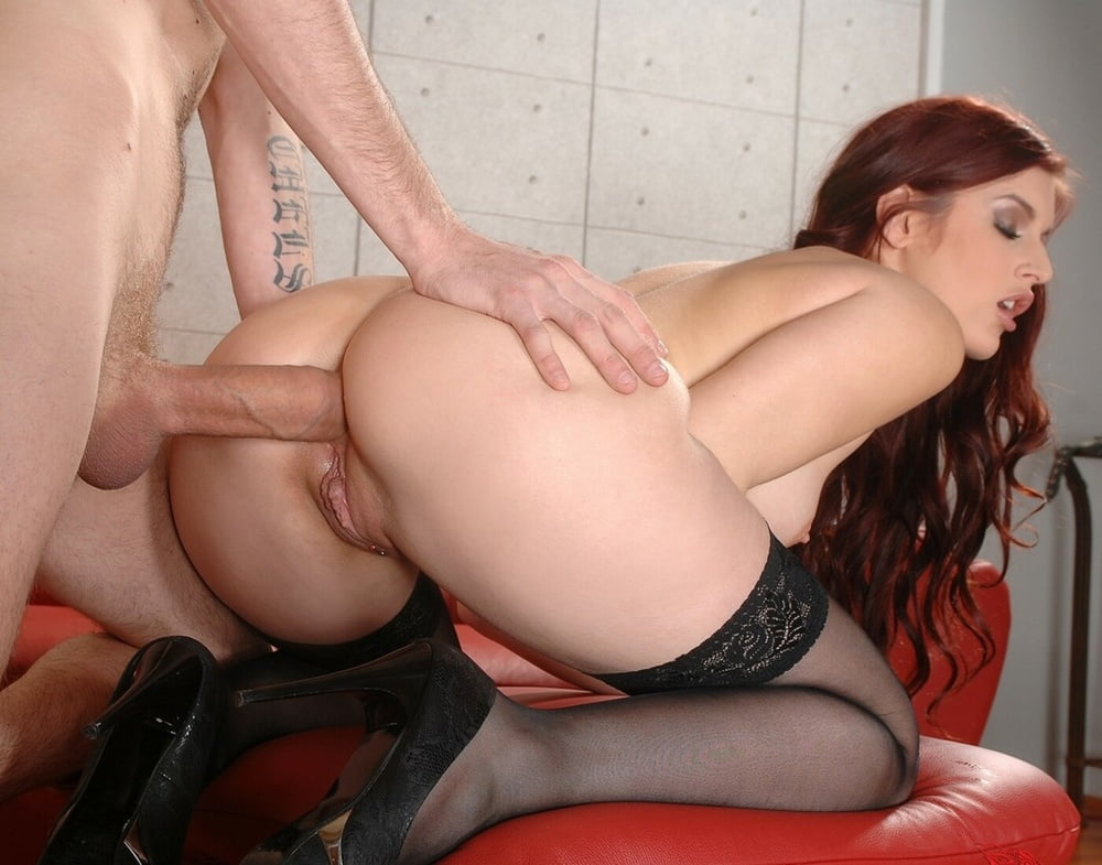 Hot Naked Girl Does It Anal