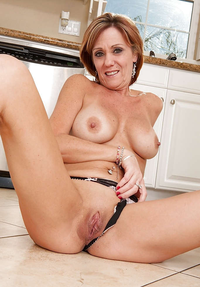 Milf shows her hot pussy