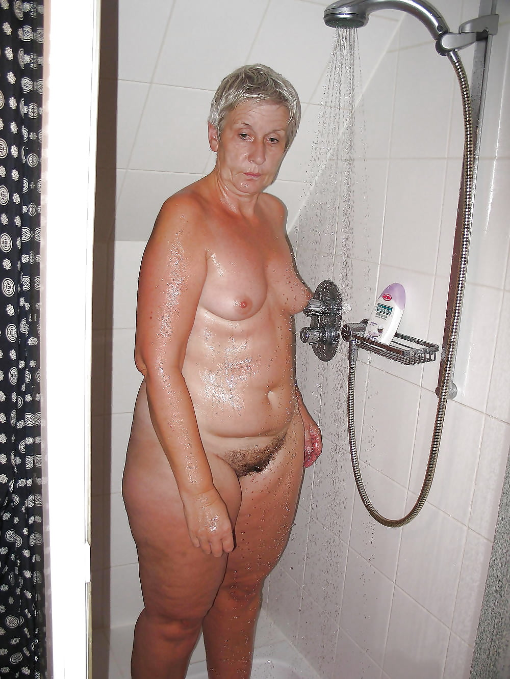 Sucking young grandma sexy shower pic sharma get