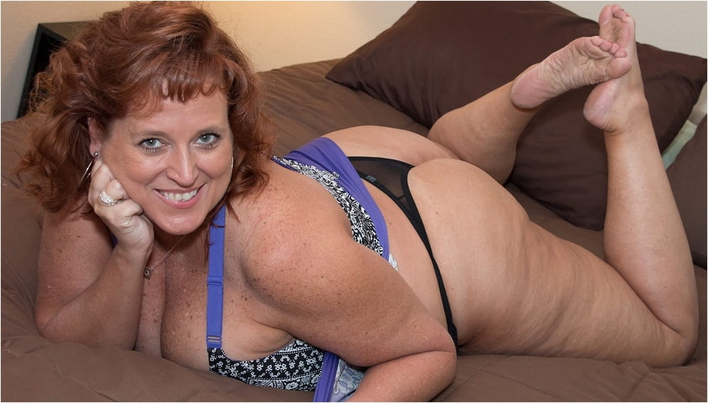 Mature Chubby Redhead Dawn Marie With Big Naturals Wearing Jeans Shorts