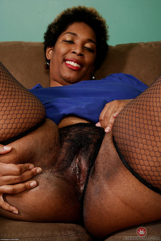Ebony mature nude pics