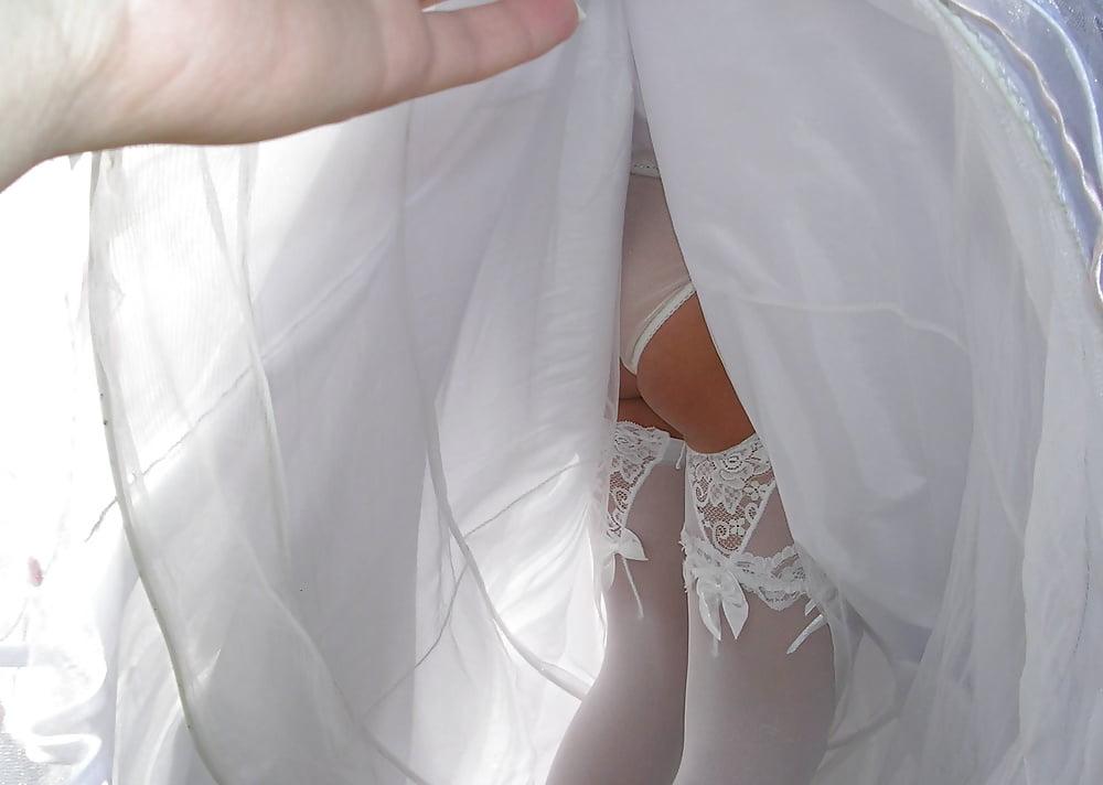 Bride Upskirtandarianna Grande Upskirt
