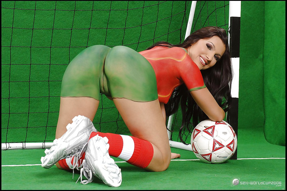Italian goalkeeper gianluigi buffon in undies and naked in locker room