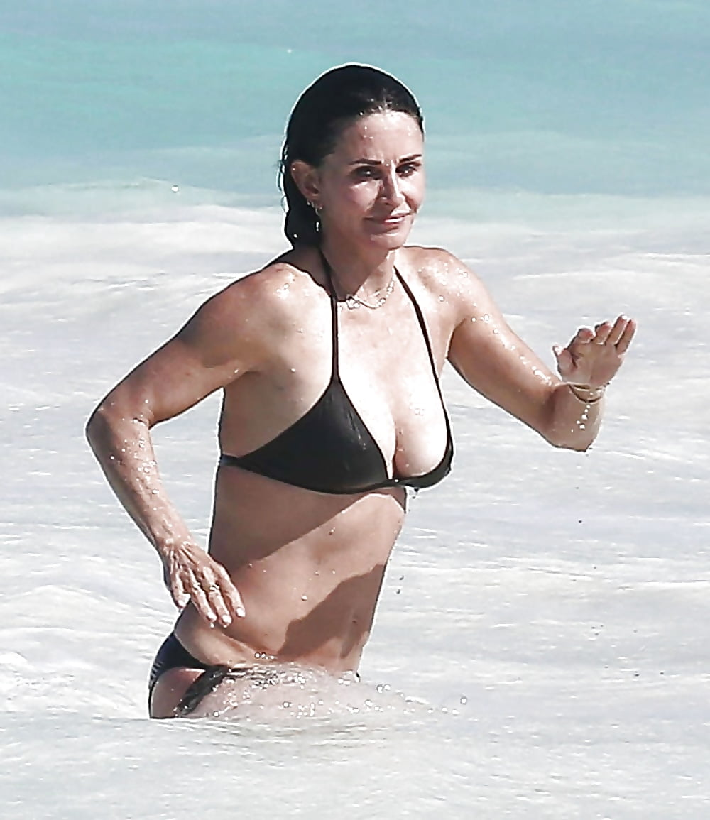 Courtney cox is imageing, sexy