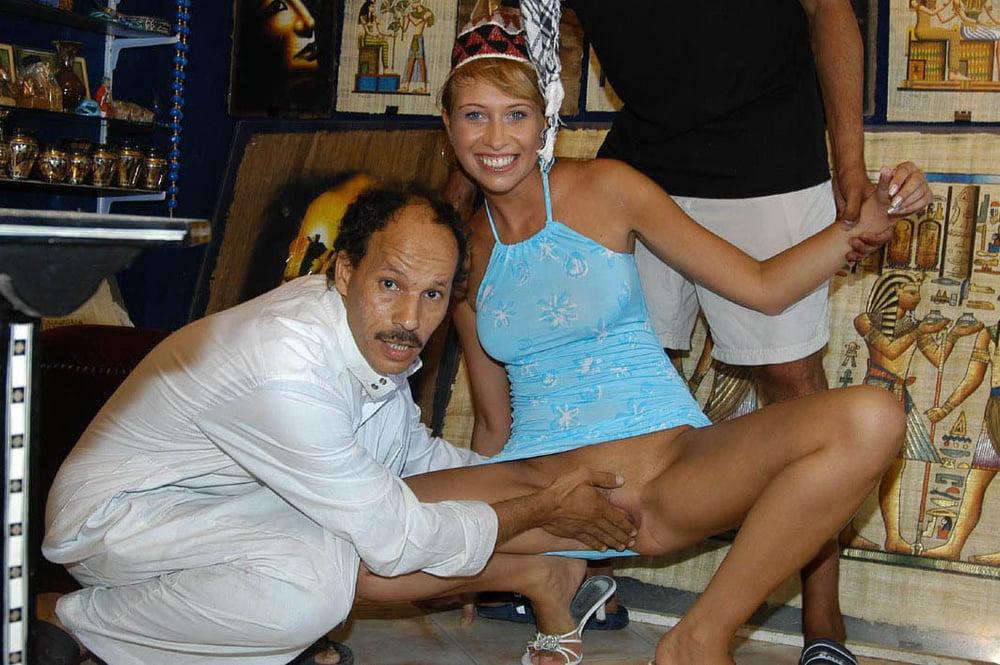 Порно фото жена с египтянином, фото порно в пизде большой член
