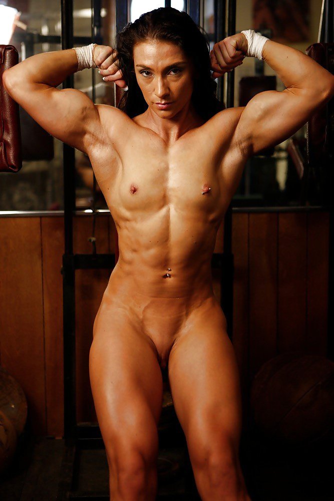 girl-nude-muscle