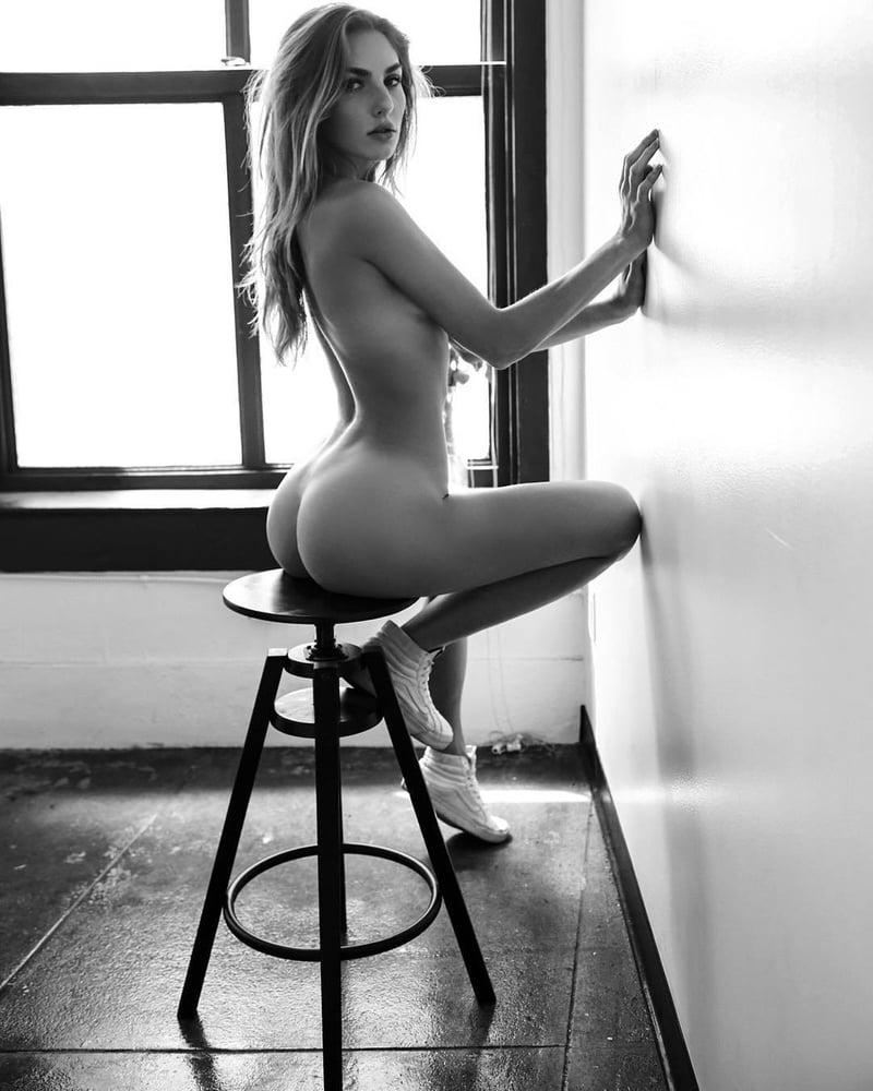 aggie-mackenzie-naked
