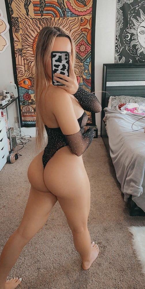 Perfect Ass - 12 Pics