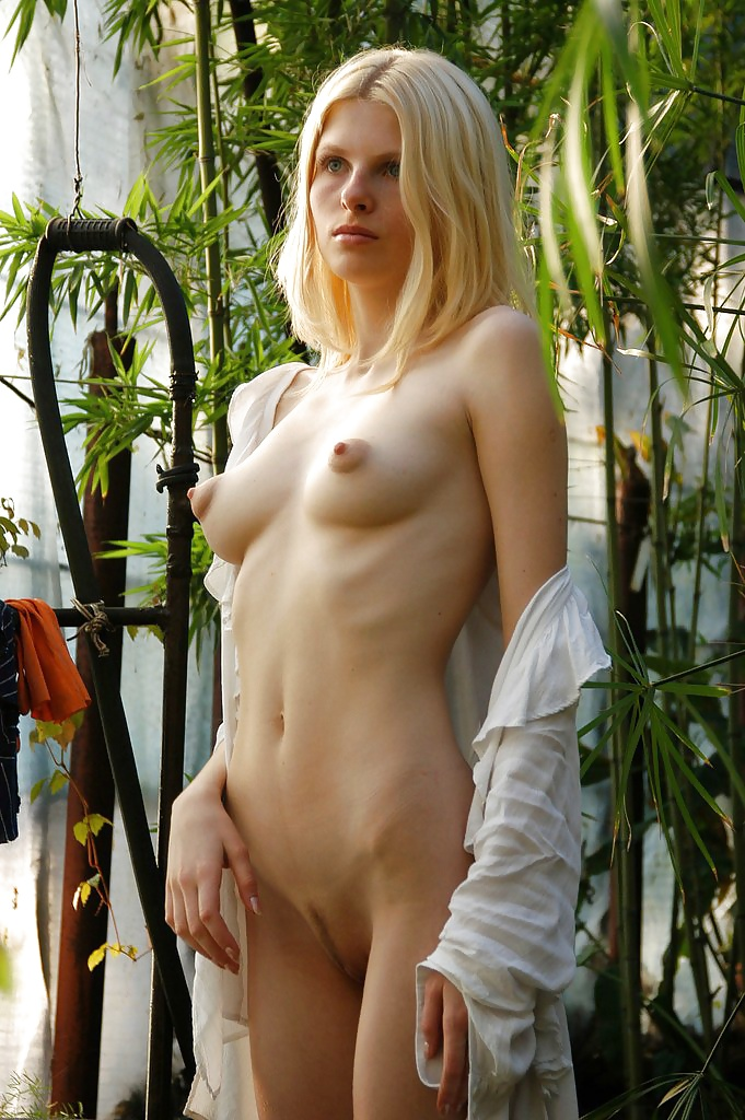 Naked Girls 18+ Redhead in randy newman video