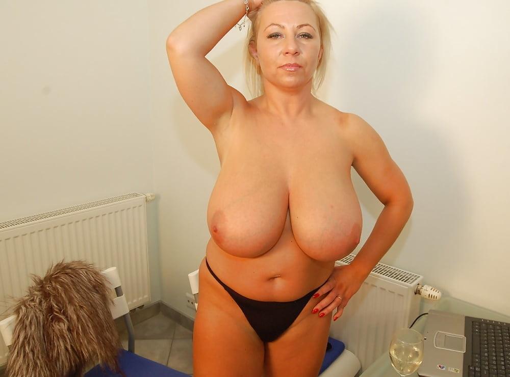Big Ass Blonde Mature Jessica Showing Off Her Big Natural Boobs