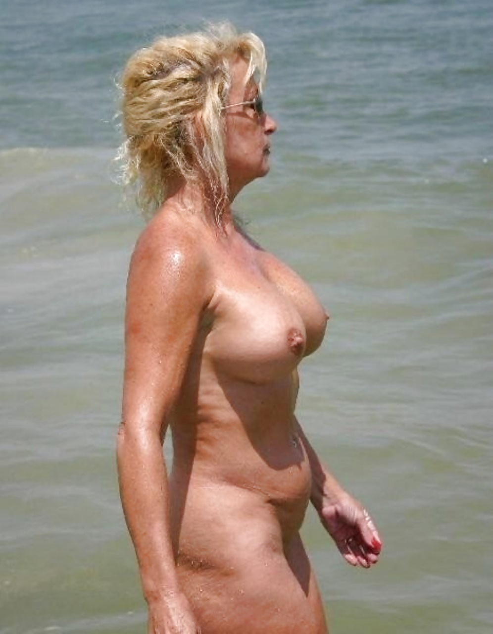 beach-naked-gilf-body-sex-transformation-erotic-stories