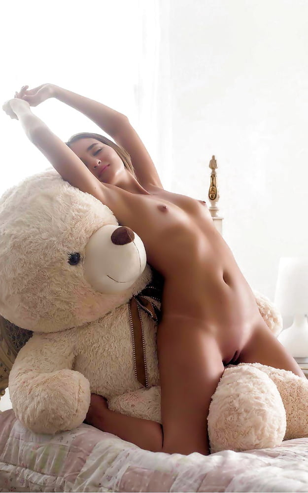 guy-bear-girl-naked