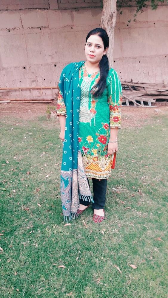Madiha Karachi Beautiful divorse- 14 Pics