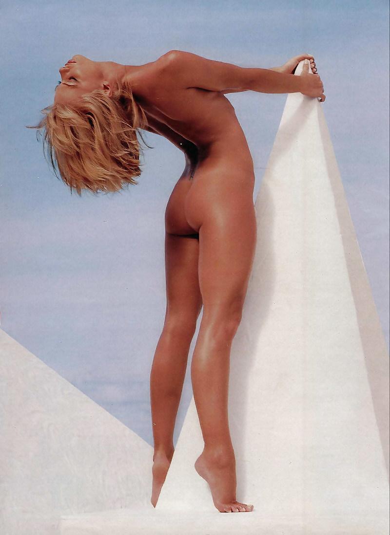 jaime-pressly-sexy-nude-photos