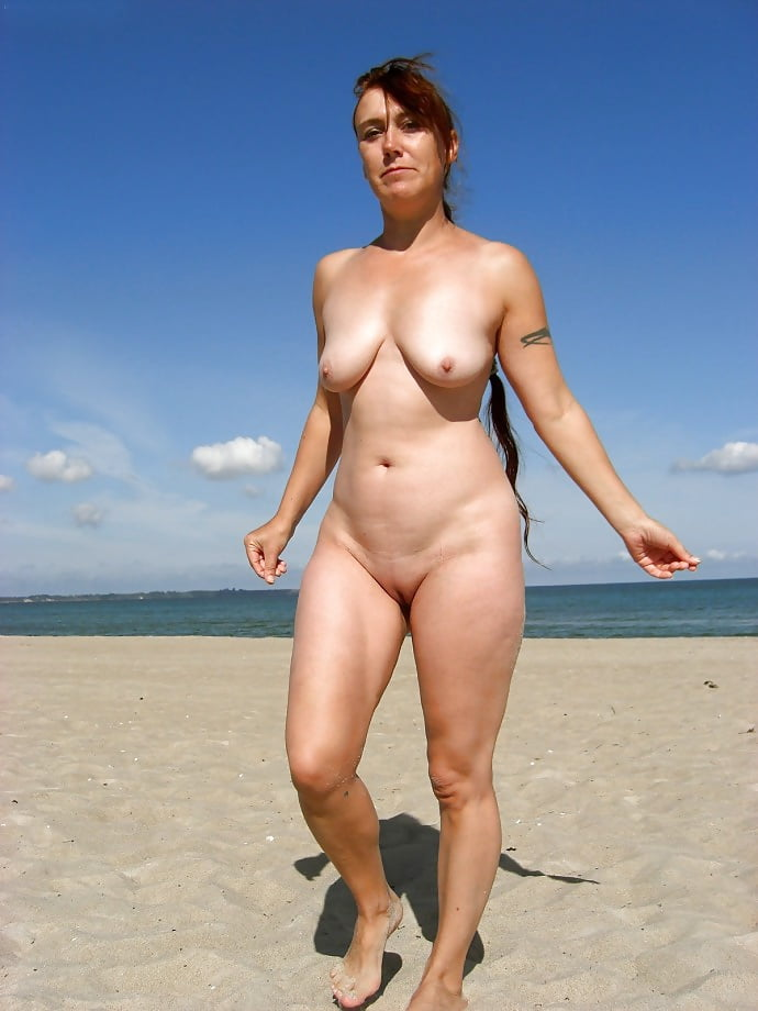 amateur-mature-nude-women-on-the-beach