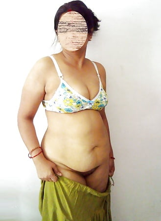 Amazing wife shree gets massage frm a nude man - 1 part 7
