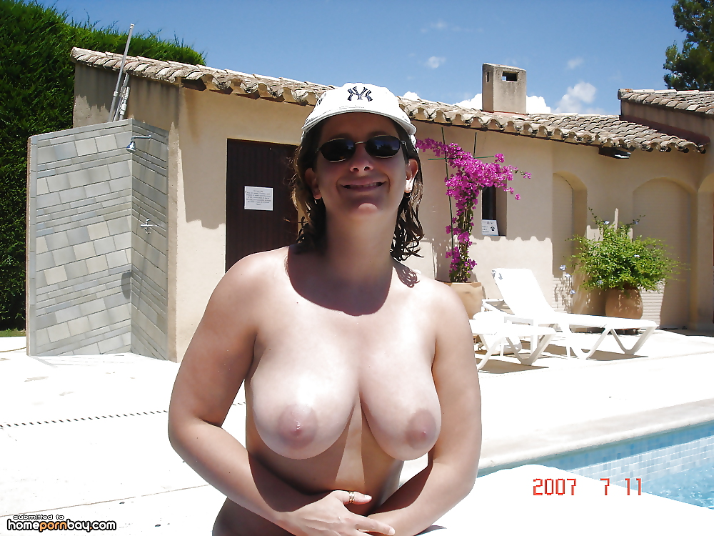 Amateur Big Boobs Public