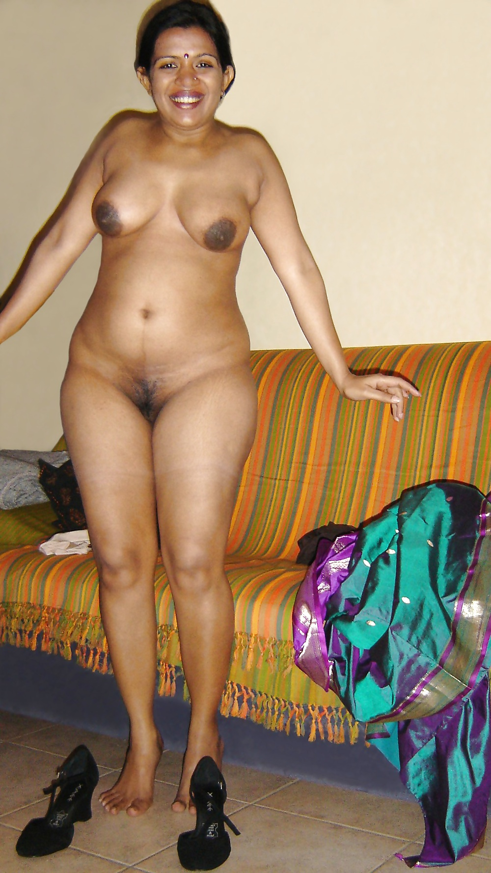 cute indian women naked at home