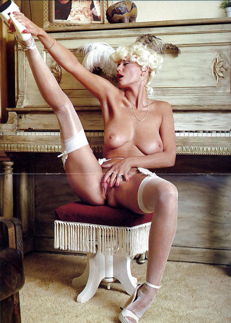 naked-seka-irangirl-pornpic