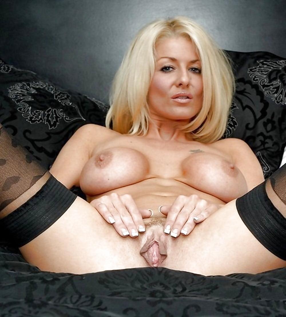 леггинсах под порно актрисы милфы улице двумя шоколадными