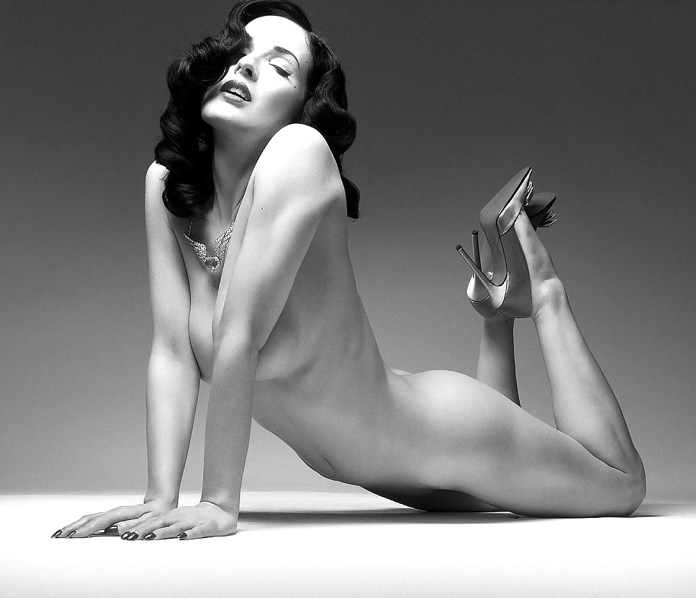 unitard-dita-von-teese-naked-pics-picture-ratings-abby