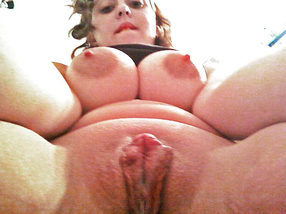 Chubby pussy selfie pics