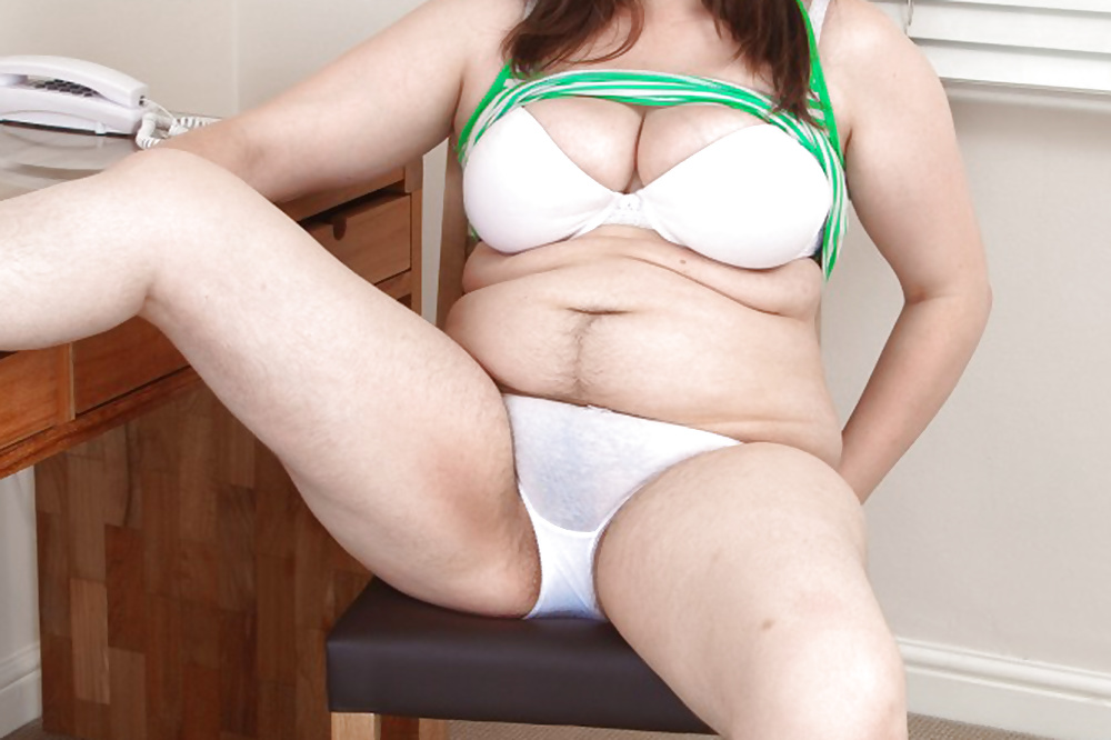 female-athlete-free-chubby-panties-and-friend