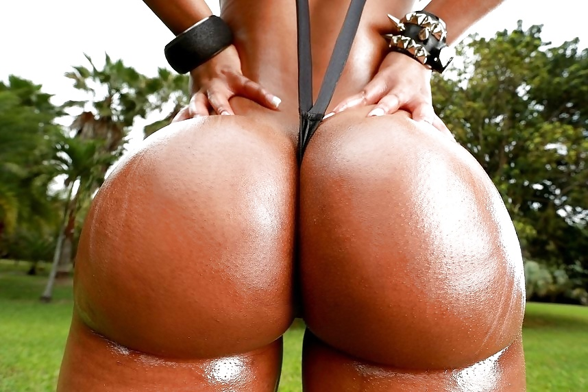 See And Save As Indian With Nice Round Butt Shows Off Her Brown Pussy Porn Pict