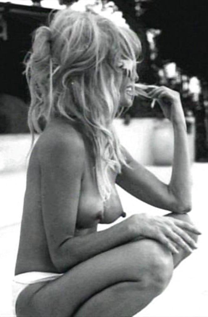 Farrah fawcett nude pics, page