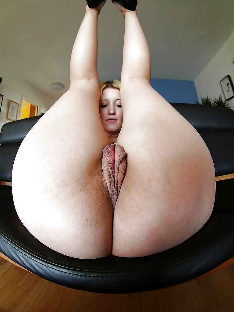 Bass big booty girls and fat pussy