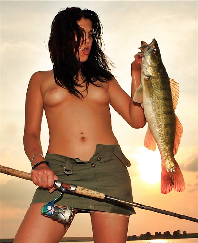 breastfeeding-man-gone-fishing-nude