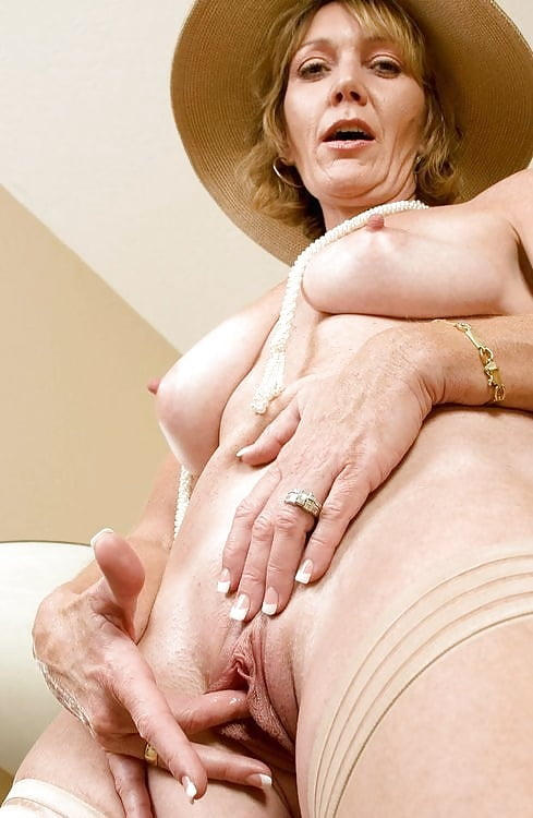 Do women like the dick bulge