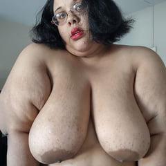Ugly Fat Whore Jessica Jones Thinks She's Cute
