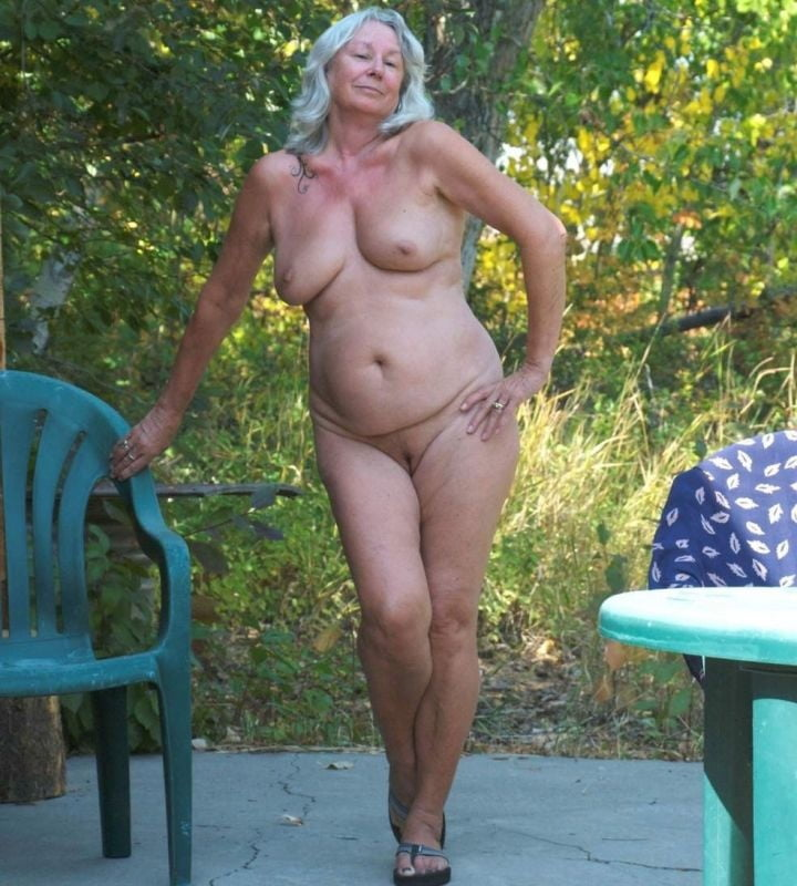 Mature nude people-7303