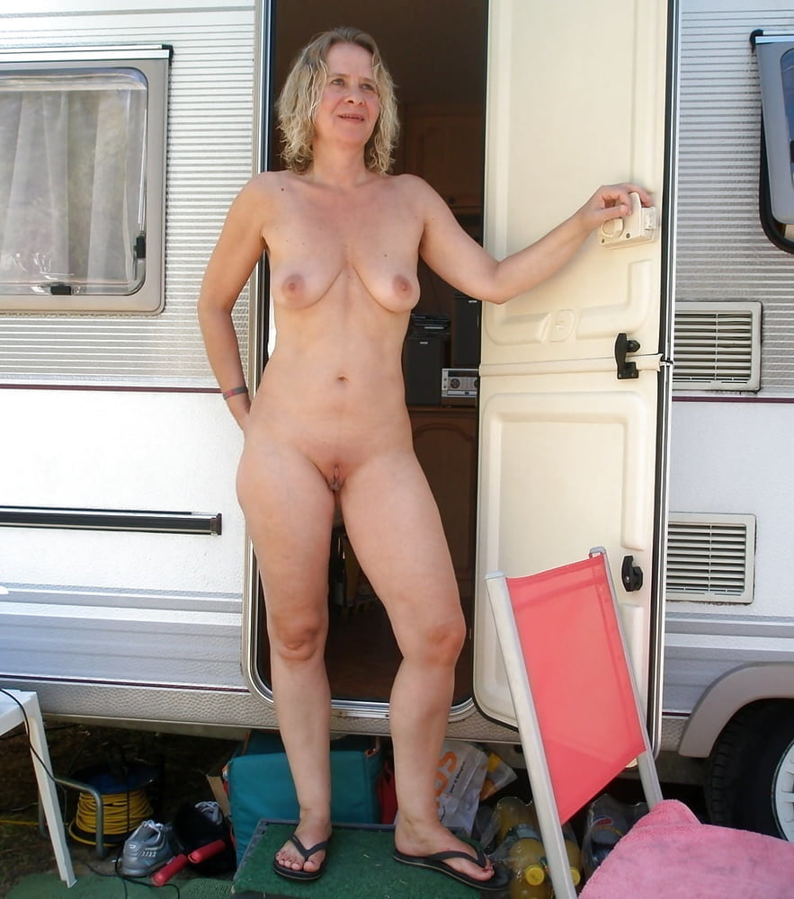 Nude trailer trash pic