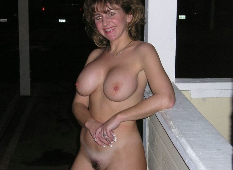Yummy mummy naked pictures