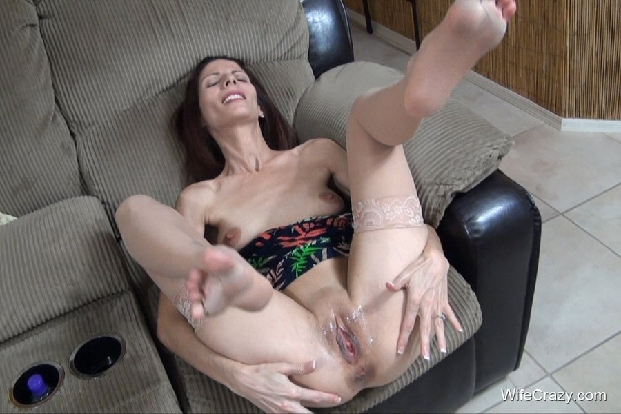 crazy-wife-hands-pics-hottest-nude-women-ever