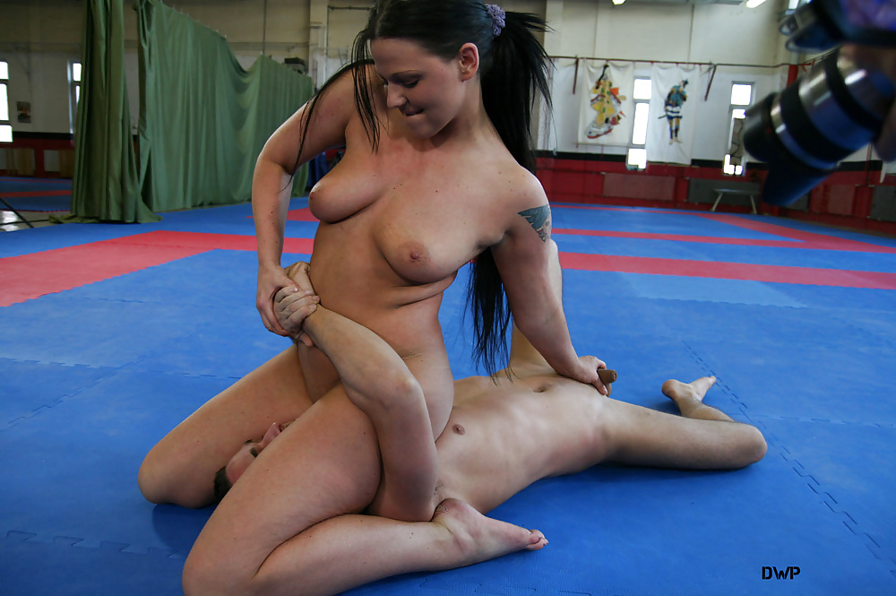 Girls wrestling men nude — pic 4