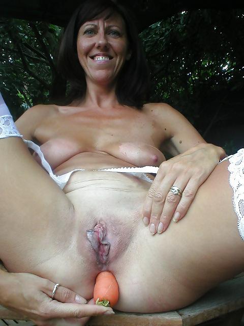 Pollys perfect handjob cumshot on her massive tits - 1 7