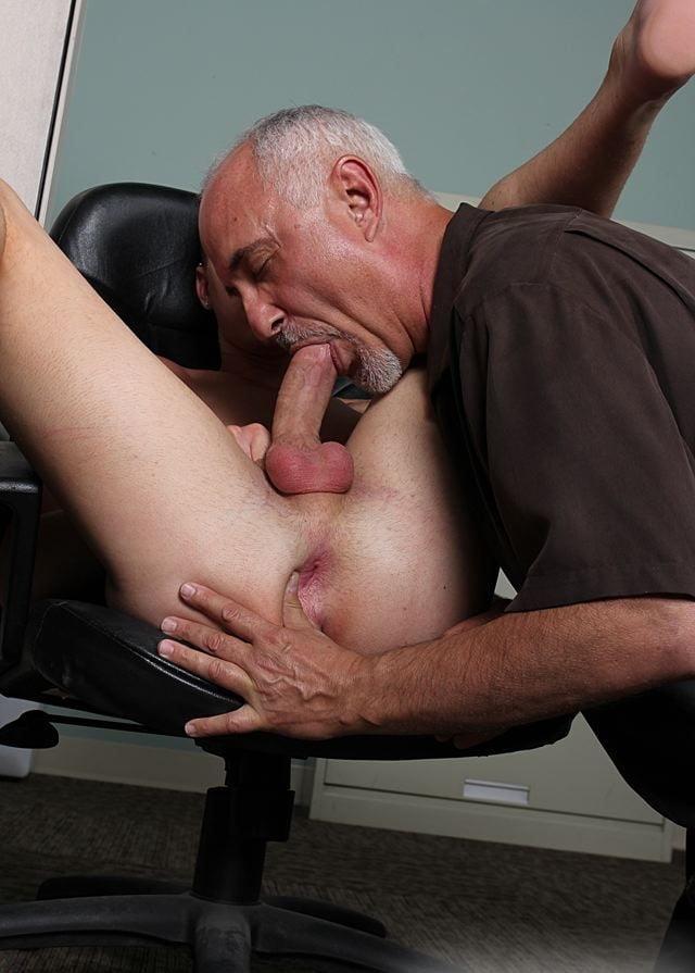Older guy masterbating young girl 4
